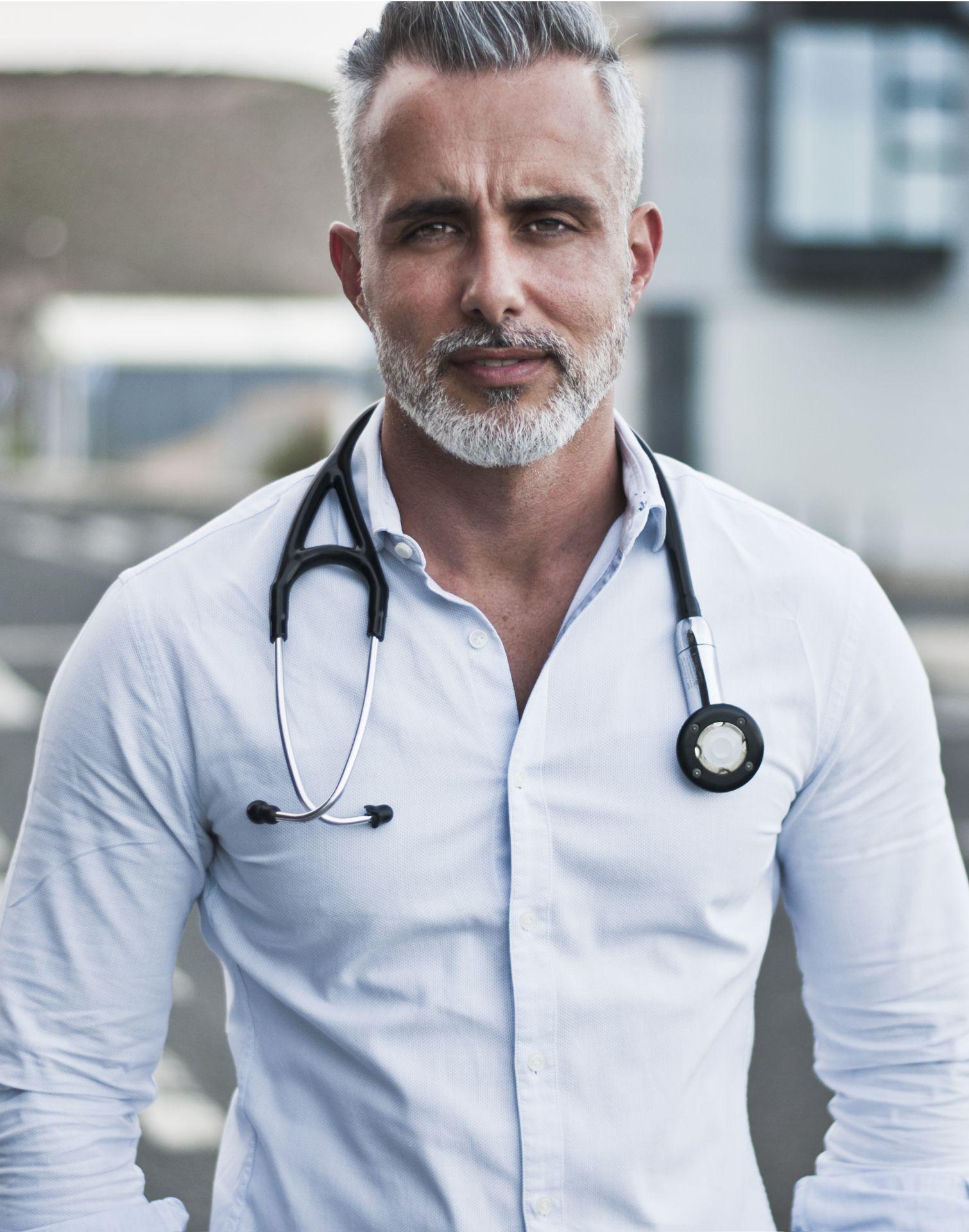 """""""No debes luchar contra tu cuerpo, debes escucharlo"""" - Entrevista al Doctor Florido para orientar a pacientes sin diagnóstico"""